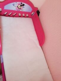Minnie mouse bed and mattress up to age 6