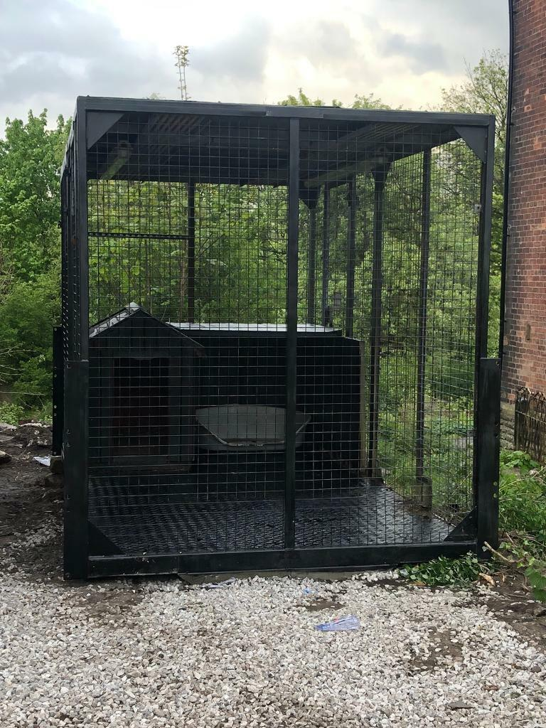 Galvanised Dog Run With Large Wooden Kennel In Oldham Manchester Gumtree