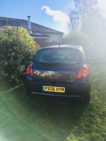 Lovely little Renault Clio for sale - repair and road, or car parts. MOT valid until 11/12/2018