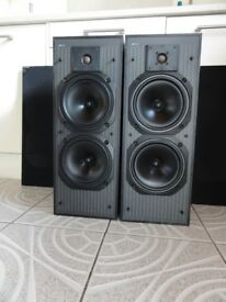 Lovely old Vintage KEF C40 nice sweet melow sounding speakers In very good Condition for the year