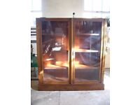 antique fronted glazed display china cabinet, a bookcase, book shelves, mahogany vitrine, c. 1930