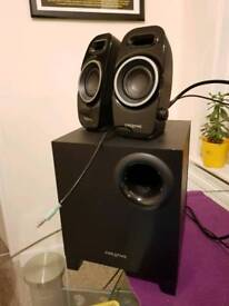 Creative multimedia speakers with subwoofer