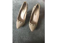 Ladies size 5 Dorothy Perkins heels