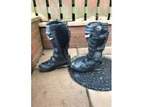 Wolf motocross boots size 8