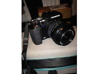 Olympus E-500 DSLR camera with 17.5-45mm lens (+2 Batteries and x2 chargers)
