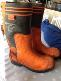 Chainsaw boots. Size 10/11 (44).
