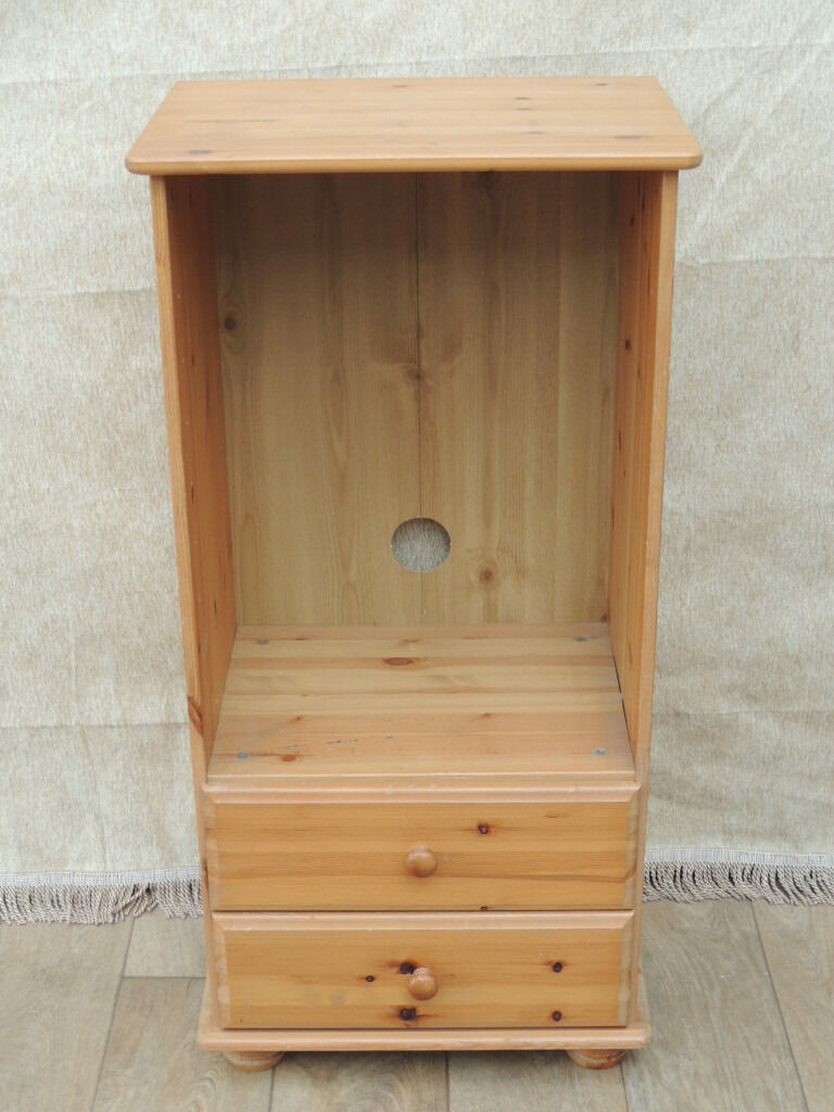 Pine hi fi unit (Deliveryin Eltham, LondonGumtree - Pine Hi Fi cabinet (Size 52cm W; 38cm D; 106cm H); Narrow but tall size offers great storage space for Hi Fi; 2 small drawers underneath; Cable slot in the back panel; Solid traditional lacquered pine; Few minor scratches present Delivery possible...