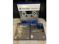 SONY PLAYSTATION 4 CONTROLLER + 1 GAME - BRAND NEW AND SEALED FOR PS4