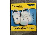 Tomy Walkabout Mini : Portable baby monitor