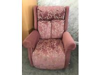 LIKE-NEW Large Reclining Chair