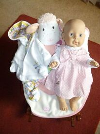 "Baby Annabel ""Bathtime"" interactive doll with accessories - Shipley"
