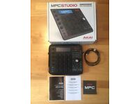 MPC Studio (Black) - Near Mint Condition / Hardly Used