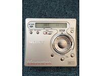 Sony Minidisc player / recorder and 11 reusable minidiscs