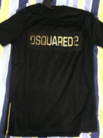 MENS DSQUARED 2 T SHIRT SIZE MEDIUM BRAND NEW
