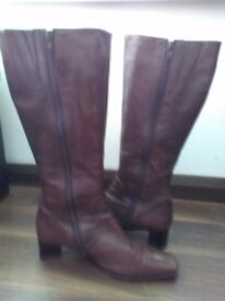 Ladies brown leather knee high boots, size 6