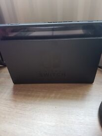 Nintendo Switch barely used comes with Zelda and Mario Kart (account)