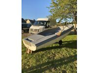 14ft boat dinghy with oars no trailer collection from rg8 8..