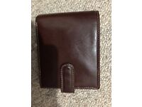 Men's brown leather wallet