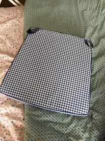 Plaid chair cushions x4