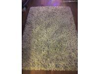 Grey rug 2.4 m x 1.7 m