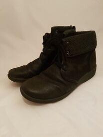 Sillian Frey Cloud Steppers by Clarks | Woman's UK Size 5 | Black