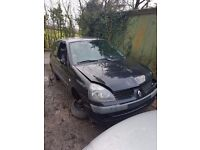 2006 RENAULT CLIO 1.1 PETROL BREAKING FOR PARTS