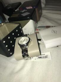 Brand new Women's fossil watch BQ1570 SALE!!!