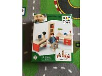 BNIB Plan Toys Like Pintoy dolls house furniture office set