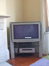 "BARGAIN!! TV SONY TRINITRON - 27 x 15"" screen."