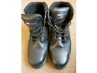 Steel toe cap leather boots