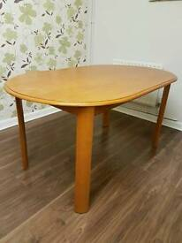 Oval kitchen table