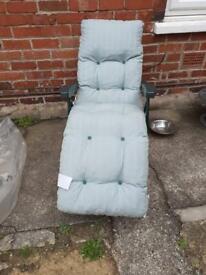 Lovely garden lounger padded new never been used reversible