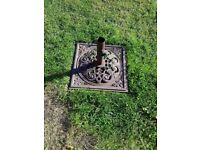 Cast iron parasol stand excellent condition