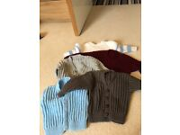 Knitted cardigans/jumpers