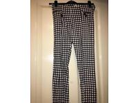 Trendy checked jeggings