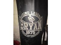 Bryan 4ft punch bag, bracket and mitts