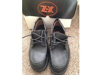Men's size 10 safety shoes BNIB