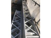 Scaffolding aluminium beams