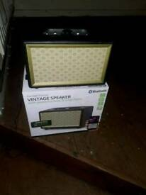 Brand New Boxed Vintage Bluetooth speaker