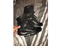 Magnum boots size 9