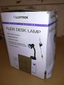 Himalayan salt lamps and flexi dest lamp