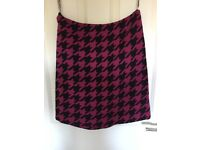 Hobbs Pink and Black Dog Tooth Skirt size 10