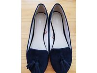 Brand new dolly shoes size 4 black