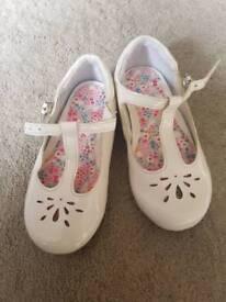 Next child size 5 shoes