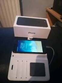 IPhone 7 32GB on vodapfone boxed