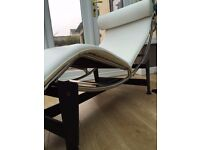 Le Corbusier Style LC4 White Aniline Leather Chaise Lounge rrp £399 ideal for conservatory