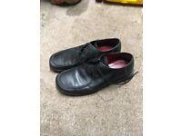 Clarks size 10 black men's shoes