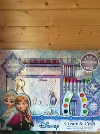 Large Disney frozen art set