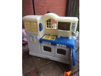 Little tikes kitchen and lots of food and accessories