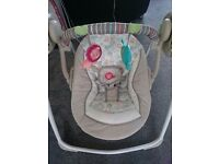 Folding baby swing excellent condition